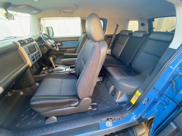2012 TOYOTA FJ CRUISER 4.0 V6 RHD FJ40 * MODERN DAY LAND CRUISER  For Sale (picture 3 of 6)