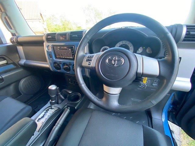 2012 TOYOTA FJ CRUISER 4.0 V6 RHD FJ40 * MODERN DAY LAND CRUISER  For Sale (picture 4 of 6)