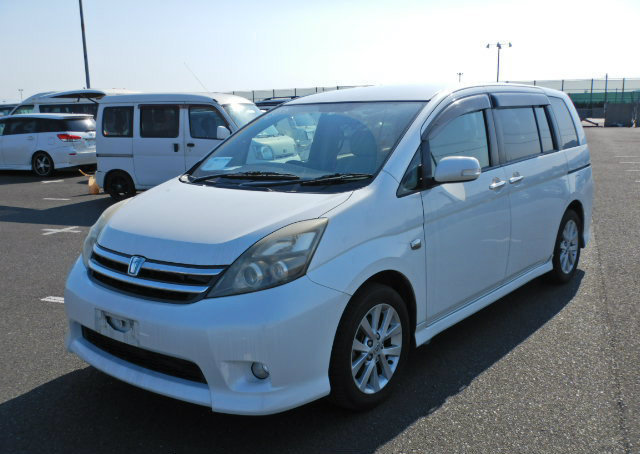TOYOTA ISIS 2009 PLATANA 2.0 AUTOMATIC * 7 SEATER * POWER ST For Sale (picture 1 of 6)
