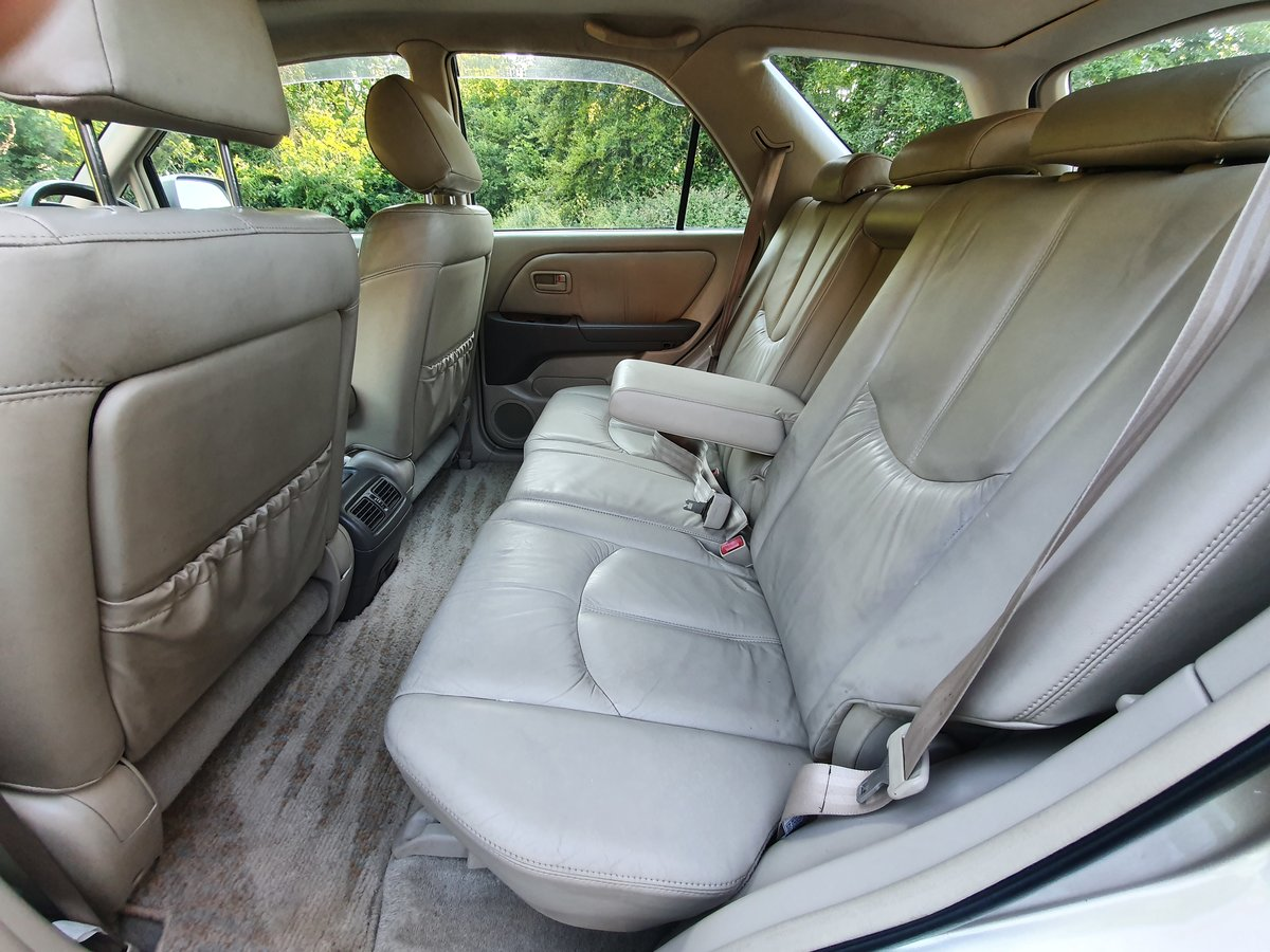 1999 Toyota Harrier 3.0 V6 24v.. Lexus RX.. Low Miles + Top Spec  For Sale (picture 4 of 6)