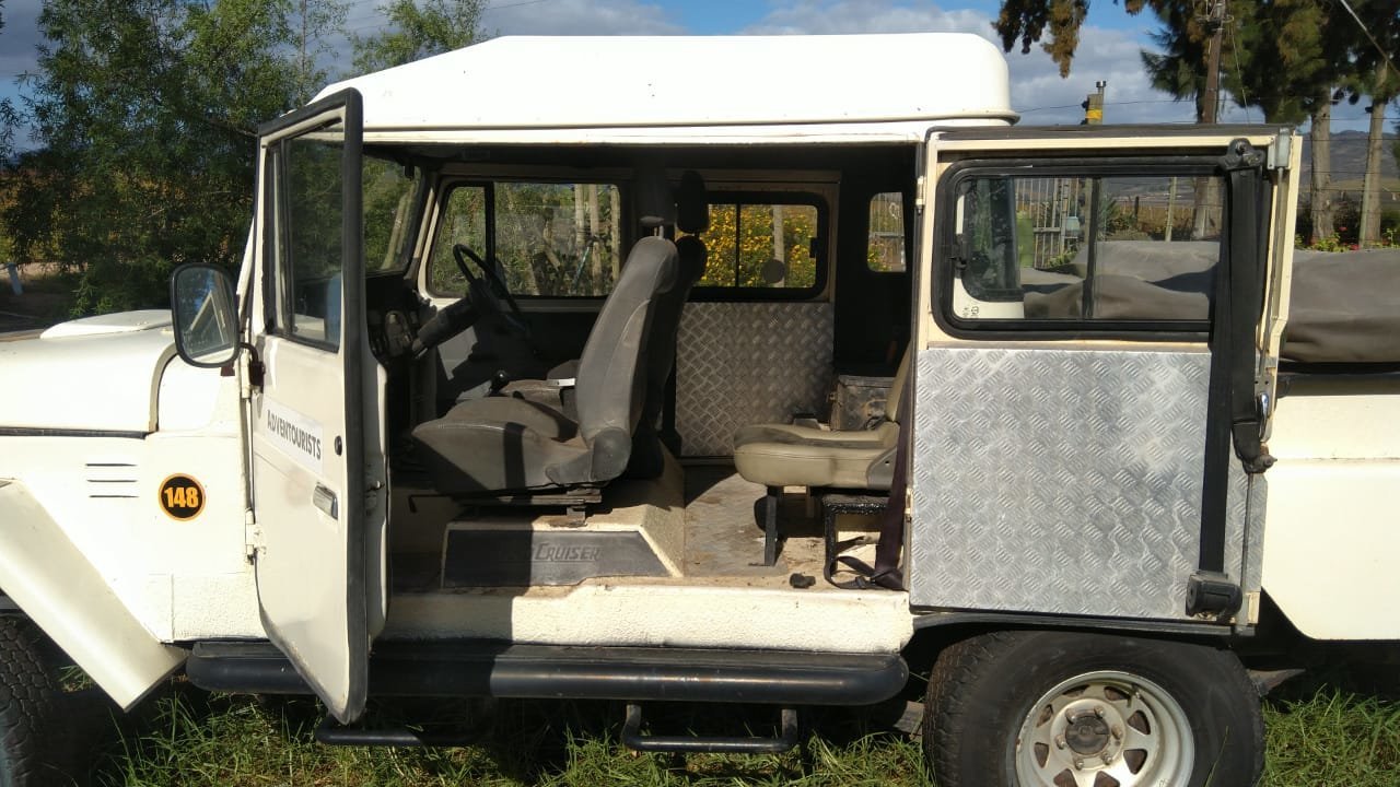 1980 Toyota Land cruiser FJ45 RHD crew cab pick up For Sale (picture 3 of 6)