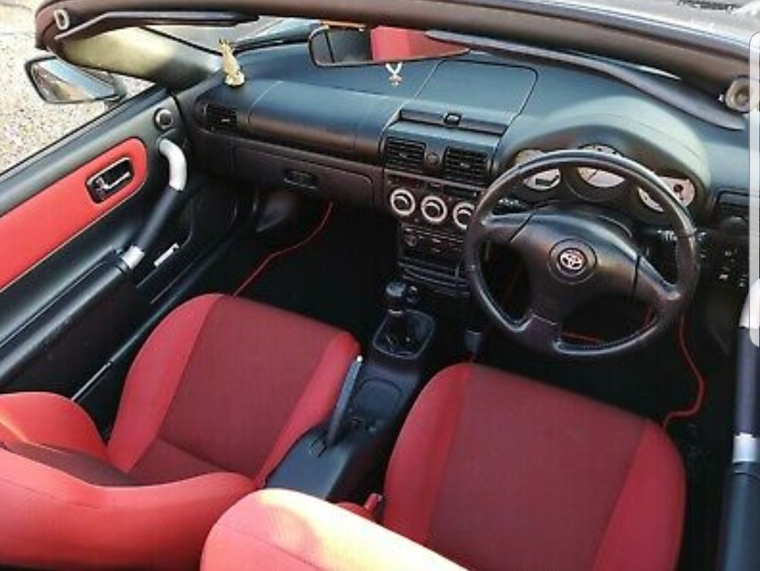 2006 Toyota MR2 Great example, rare colour seat combo For Sale (picture 5 of 6)
