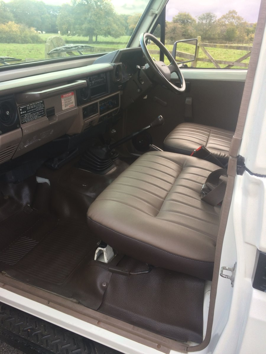 1990 Toyota HZJ 79 Landcruiser pickup For Sale (picture 5 of 6)