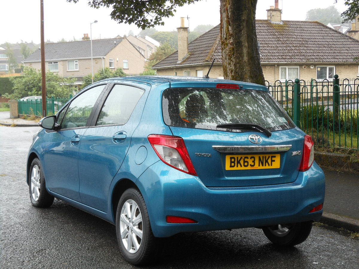 2013 23 Toyota Yaris 1.4 D4-D TR 5DR 1 Former Keeper + £20 TAX  SOLD (picture 3 of 6)