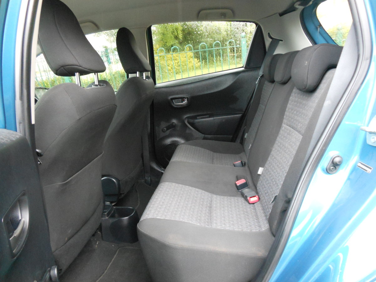 2013 23 Toyota Yaris 1.4 D4-D TR 5DR 1 Former Keeper + £20 TAX  SOLD (picture 6 of 6)