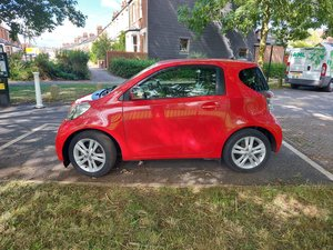 Toyota iq 1.3 manual , 27 000 miles