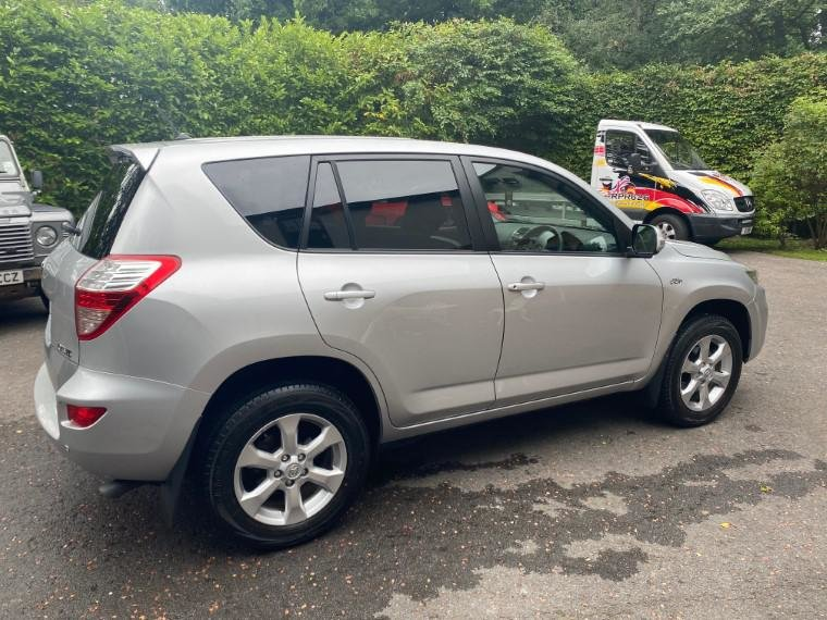 £7,495 : 2010 TOYOTA RAV 2.2 D-CAT XTR For Sale (picture 5 of 6)