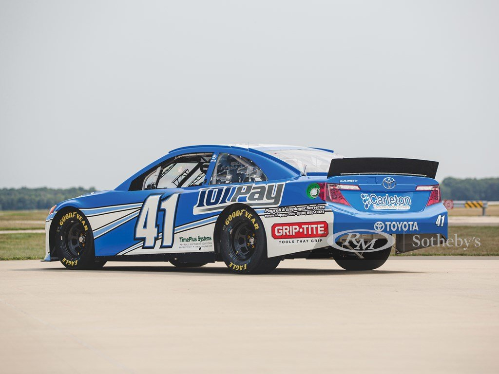2014 Toyota Camry NASCAR  For Sale by Auction (picture 2 of 6)