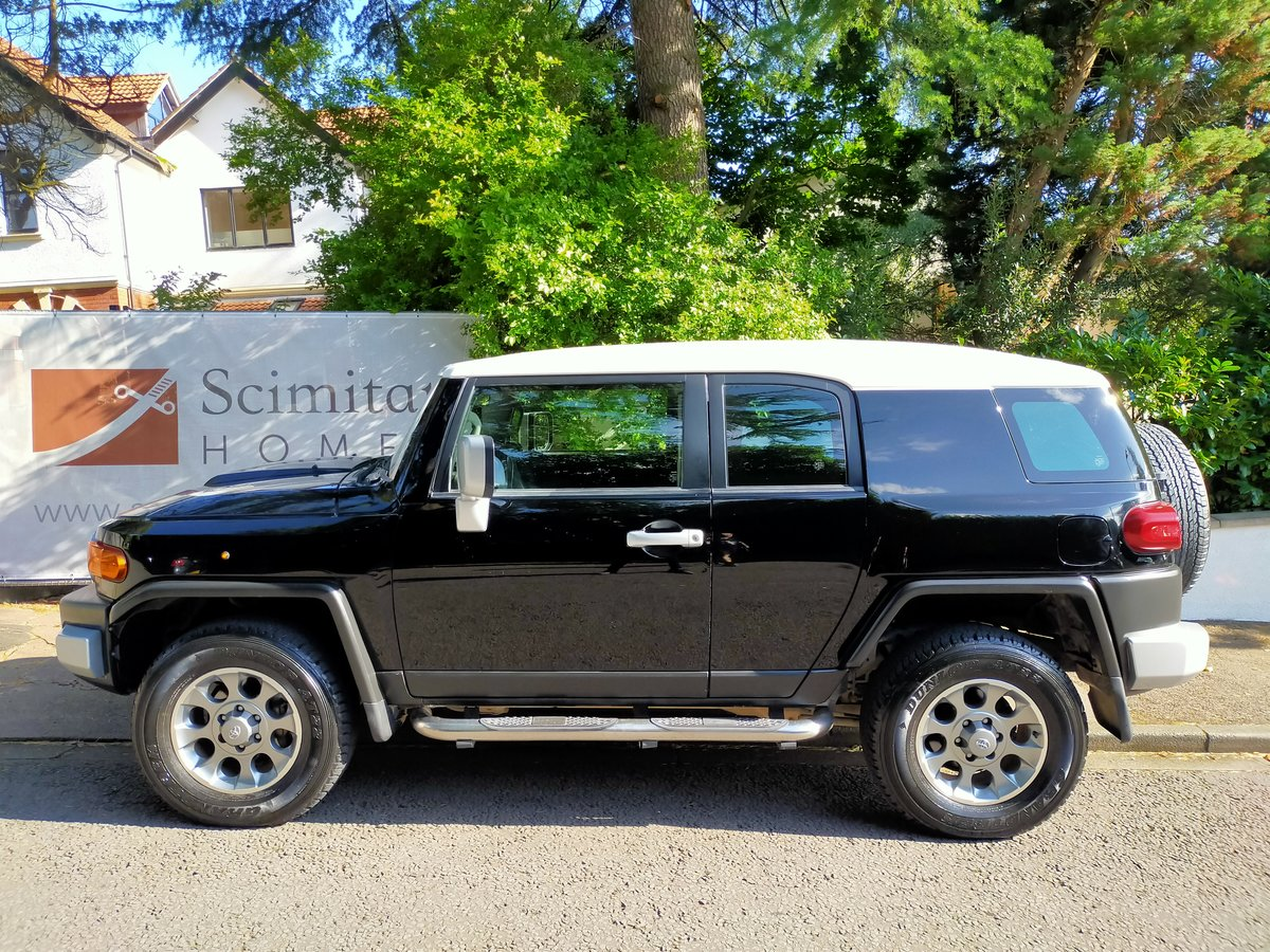 2013 Toyota FJ Cruiser 4.0 V6 (Left Hand Drive) For Sale (picture 3 of 6)