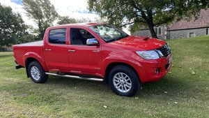 Toyota Hilux-Invincible-3500 miles from new,One owner,As new