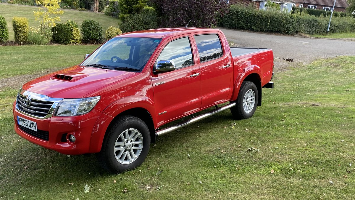2014 Toyota Hilux-Invincible-3500 miles from new,One owner,As new SOLD (picture 3 of 6)