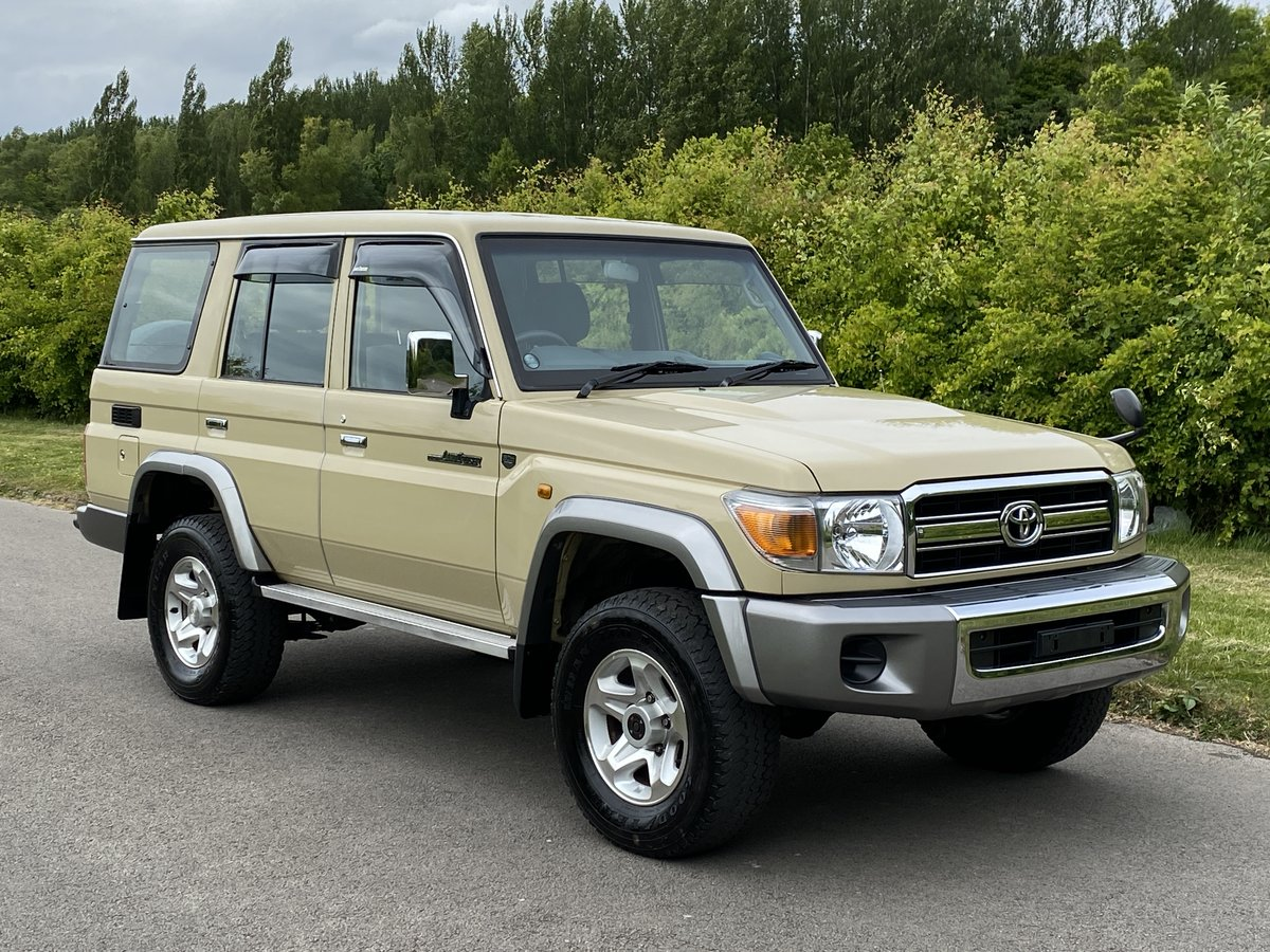 2015 Toyota Landcruiser 70 series 30th Aniversary For Sale (picture 1 of 6)