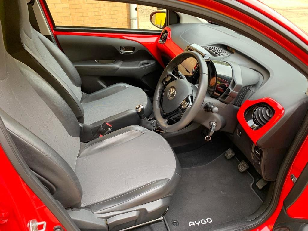 Toyota Aygo X-Pression 2015, 13,000 Miles For Sale (picture 4 of 6)