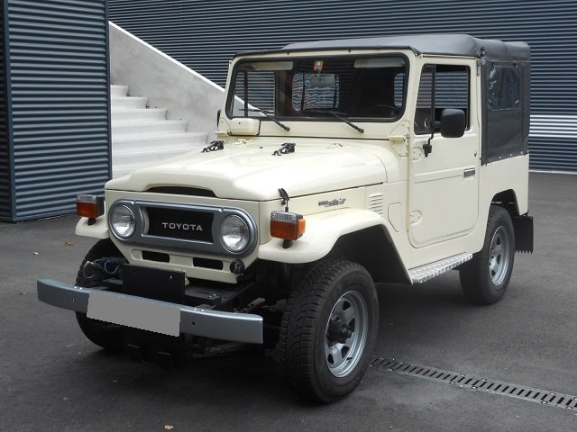 1978 TOYOTA LAND CRUISER FJ40 softtop petrol For Sale (picture 1 of 6)