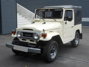 TOYOTA LAND CRUISER FJ40 softtop petrol