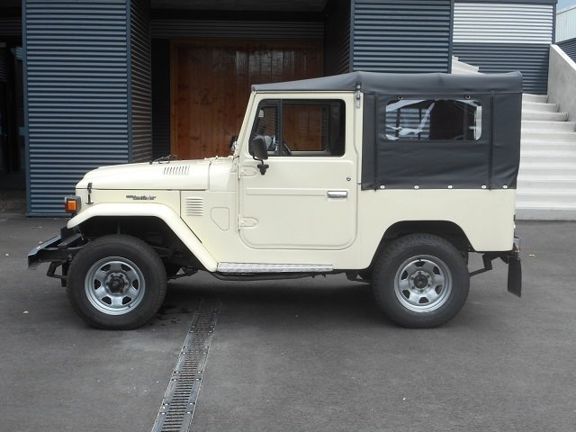 1978 TOYOTA LAND CRUISER FJ40 softtop petrol For Sale (picture 3 of 6)