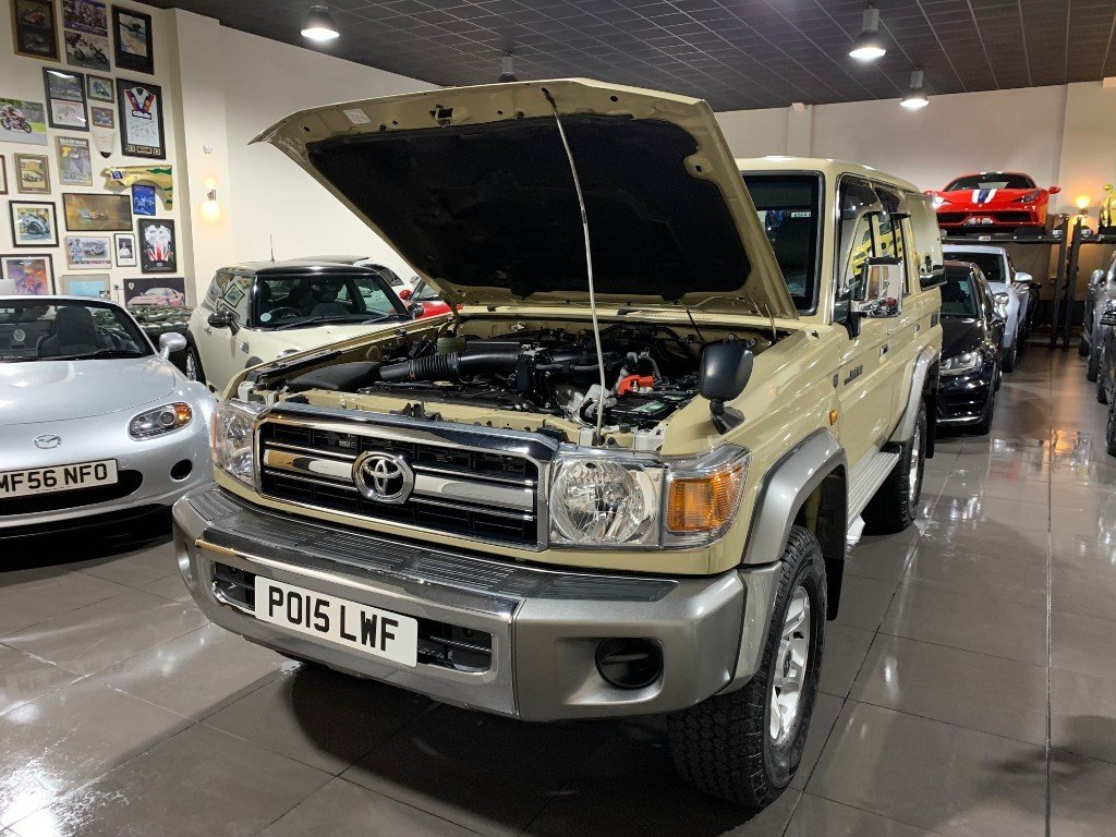 2015 Ultra rare RHD V6 4,0l Landcruiser Limited Edition SOLD (picture 4 of 6)