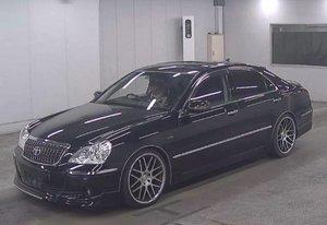 Toyota crown majesta huge spec