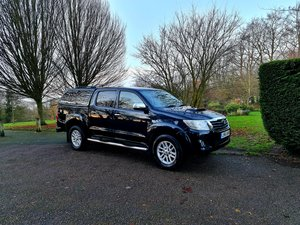 1 owner - toyota hilux invincible 3.0 auto-69k mls