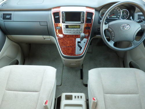 2003 Toyota Alphard 3.0 V6 VVT-i Auto For Sale (picture 2 of 6)