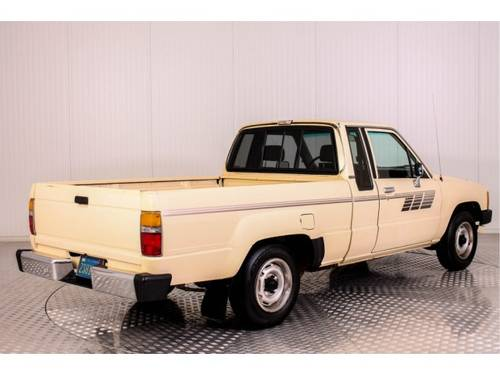 1985 Toyota Hilux Pickup 22R For Sale (picture 2 of 6)