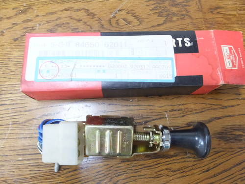 Toyota 2000GT parts Window washer switch For Sale (picture 1 of 6)