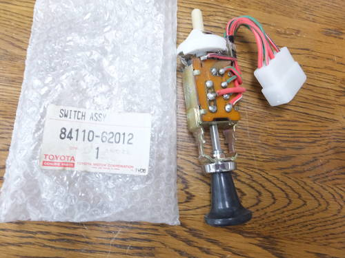 Toyota 2000GT parts Light switch For Sale (picture 1 of 4)