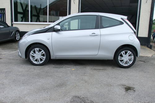 2014 TOYOTA AYGO 1.0 VVT-I X-PRESSION 3DR SOLD (picture 2 of 6)