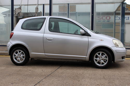 2004 Siver yaris with 1 year MOT SOLD (picture 1 of 6)