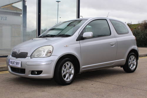2004 Siver yaris with 1 year MOT SOLD (picture 2 of 6)