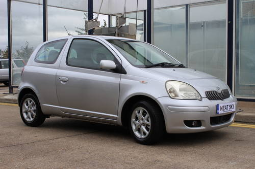 2004 Siver yaris with 1 year MOT SOLD (picture 4 of 6)