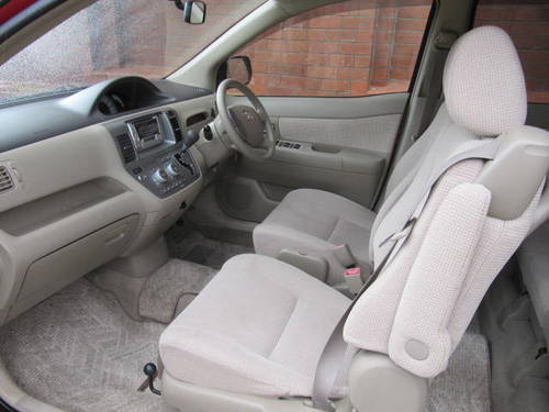 2003 YARIS 1.5 AUTO DISABLED ELECTRIC PASSENGER SEAT & REAR DOOR For Sale (picture 4 of 6)