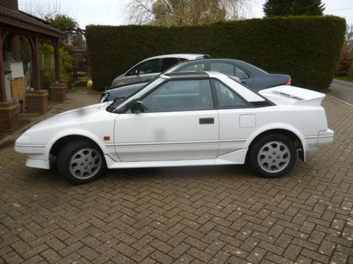 1990 TOYOTA MR2 T BAR  SOLD (picture 3 of 5)