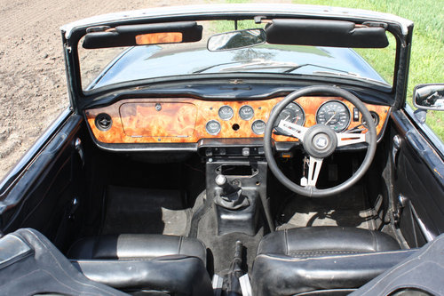 TR6 1972 UK CAR WITH OVERDRIVE SOLD (picture 2 of 6)