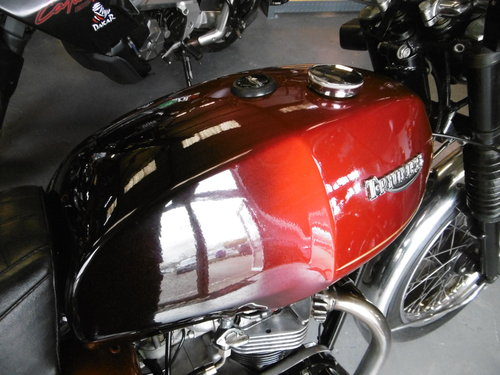 1983 TRIUMPH TR65 THUNDERBIRD Late original bike only 326 miles SOLD (picture 2 of 6)
