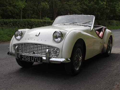 1960 Show Winning Triumph TR3A - 350 miles since rebuild For Sale (picture 2 of 6)
