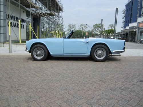 1962 Triumph TR4 For Sale (picture 3 of 6)