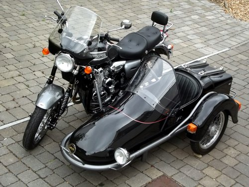 2002 (03) TRIUMPH THUNDERBIRD 900 WITH HEDINGHAM SIDECAR SOLD (picture 1 of 6)