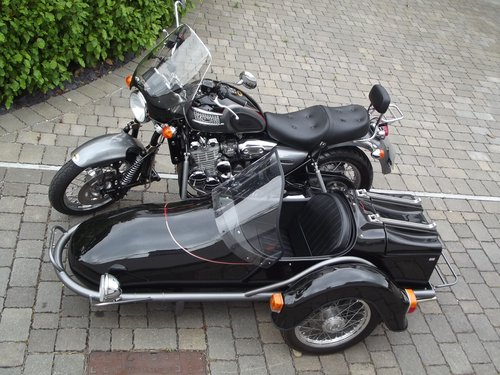 2002 (03) TRIUMPH THUNDERBIRD 900 WITH HEDINGHAM SIDECAR SOLD (picture 3 of 6)