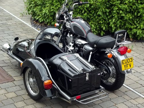2002 (03) TRIUMPH THUNDERBIRD 900 WITH HEDINGHAM SIDECAR SOLD (picture 6 of 6)