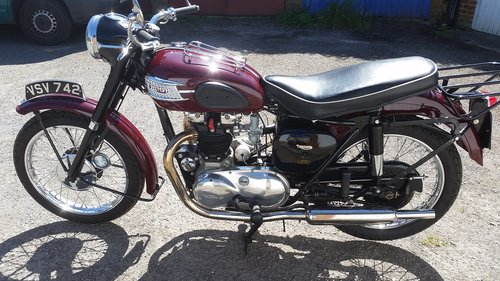 1957 Triumph 5T Speedtwin, Matching numbers, Restored For Sale (picture 3 of 6)