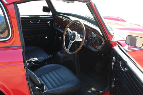 1968/G TRIUMPH TR5 PI WITH SURREY TOP  SOLD (picture 6 of 6)