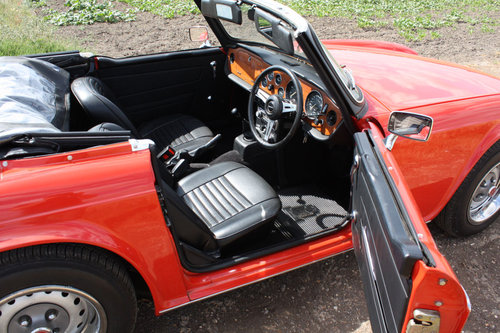 TR6 1973 ORIGINAL UK FUEL INJECTED RHD CAR WITH OVERDRIVE PI SOLD (picture 2 of 6)
