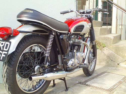 1968 TRIUMPH TROPHY TR6R SOLD (picture 2 of 6)