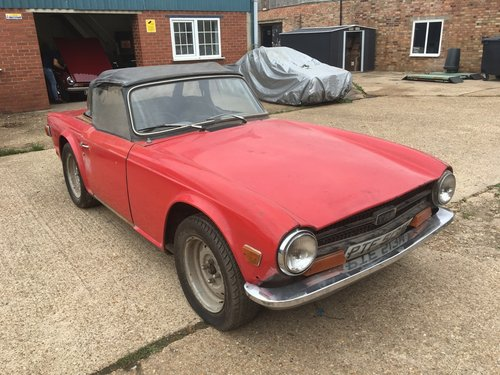 TR6 1973 PROJECT CAR. ENGINE RUNS WELL  SOLD (picture 6 of 6)