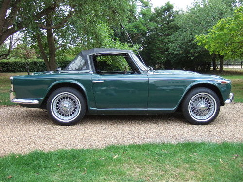 1968 Triumph TR4A IRS LHD Triumph Racing Green For Sale (picture 1 of 6)