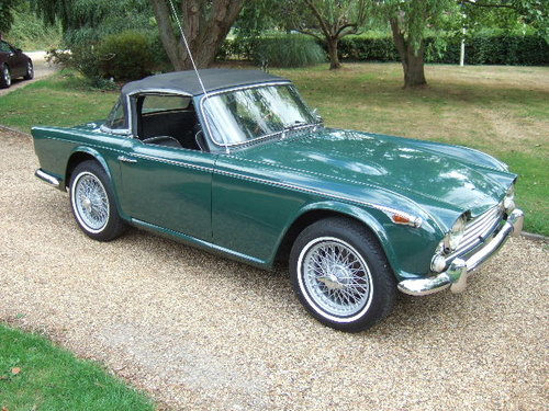1968 Triumph TR4A IRS LHD Triumph Racing Green For Sale (picture 3 of 6)