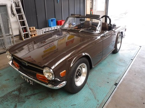 nice 1971 brown Triumph TR6 ready to use For Sale (picture 1 of 6)