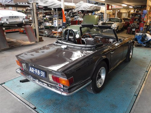 nice 1971 brown Triumph TR6 ready to use For Sale (picture 6 of 6)