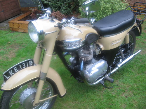 Triumph twenty one 350cc bikini model 1964 Wanted (picture 3 of 5)